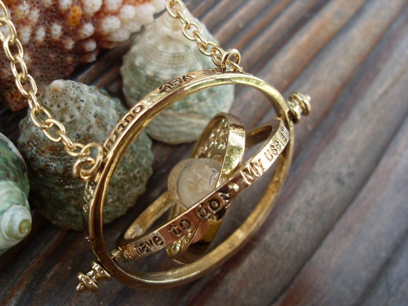 Harry Potter Time Turner  necklace 18k yellow gold-plated